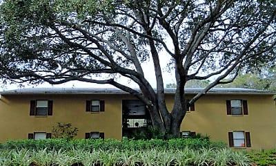 The Apartments at Oak Creek, 1