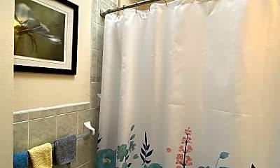 Bathroom, 92 Reddy St, 2