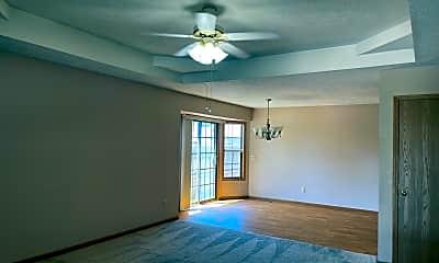 Living Room, 509 W Warren Ave, 1