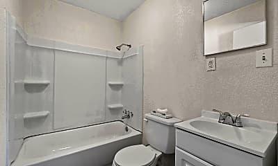 Bathroom, 2613 Baylor Ave, 2