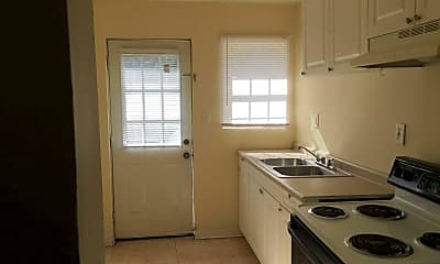 Kitchen, Pursley Court Apartments, 1