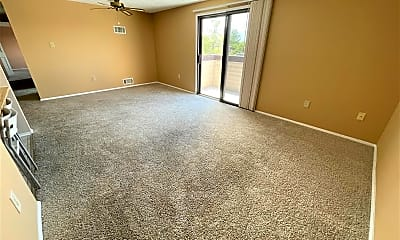 Living Room, 830 Heather Ridge Dr 22M, 1