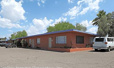 Building, 1340 N Country Club Rd, 0