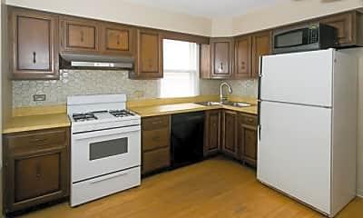 Kitchen, 5654 W Higgins Ave, 1