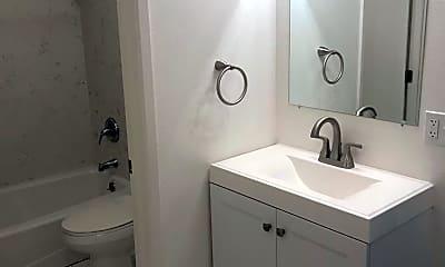 Bathroom, 2117 22nd St, 2