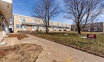Building, 265 Madison St, 2