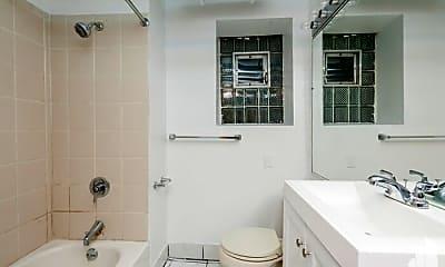 Bathroom, 5201 N Wayne Ave, 2
