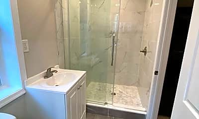 Bathroom, 250 South St, 2