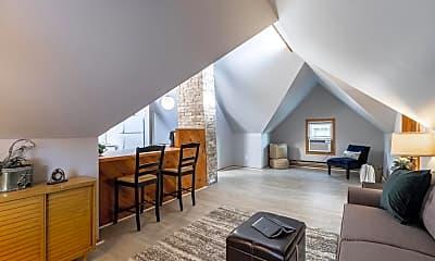 Living Room, 2467 N Oakland Ave, 1