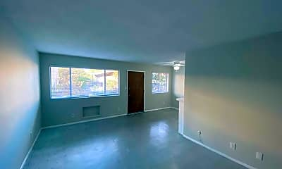 Living Room, 4200 Oakwood Ave, 1