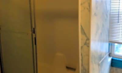 Bathroom, 423 W Princess St, 2