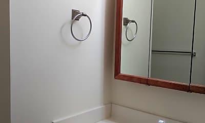 Bathroom, 2745 Gatewood Cir, 1