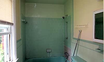 Bathroom, 4611 Luerssen Ave, 2