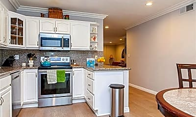 Kitchen, 4610 Densmore Ave 4, 2