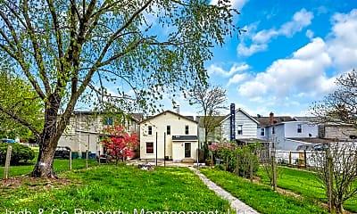Building, 569 Pleasant St, 2