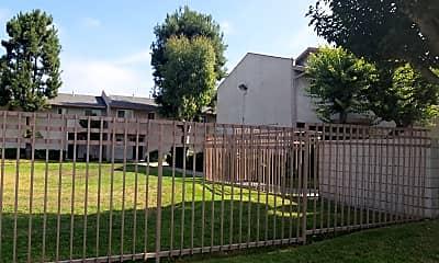 Lutheran Gardens, 0