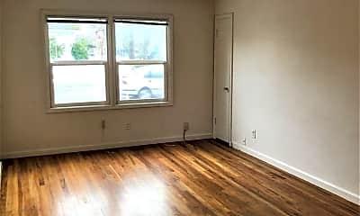 Living Room, 1653 N Killingsworth St, 1
