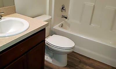 Bathroom, 655 SW Hillsboro Cir, 2