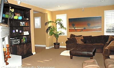 Living Room, 625 Clearwater Creek Dr, 1