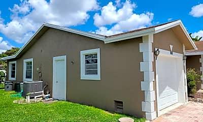 Building, 22701 Family Cir, 2