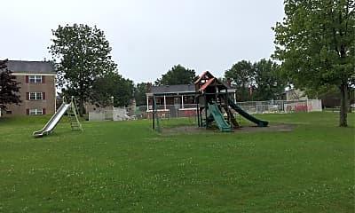 Golfview Manor, 2