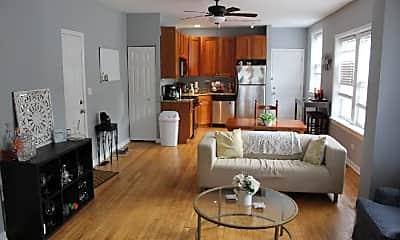 Living Room, 3745 W Argyle St, 1