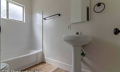 Bathroom, 3862 Potomac Ave, 2