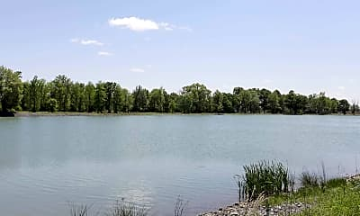 Lake, The Villas of Searcy, 2
