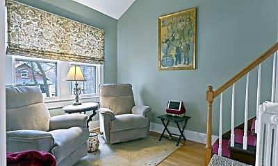 Living Room, 320 Nelson Ave, 2