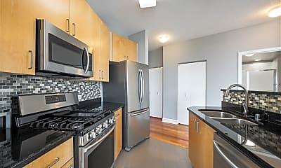 Kitchen, 600 N Kingsbury St 1711, 1