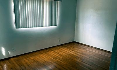 Living Room, 5931 Lancaster Dr, 2