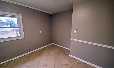Bedroom, 728 N Broadway, 2