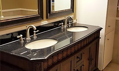 Bathroom, 705 Alabama St, 1
