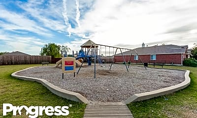 Playground, 2609 Shorecrest Dr, 2