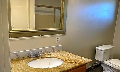 Bathroom, 10 Monroe St, 2