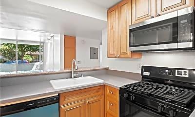 Kitchen, 5325 Newcastle Ave 106, 1