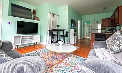 Room for Rent -  a half block (2minute) walk to bu, 0