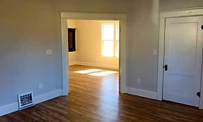 Living Room, 463 N Wood River Ave, 2