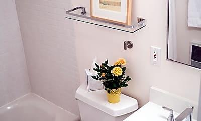 Bathroom, 72 Montgomery St, 1