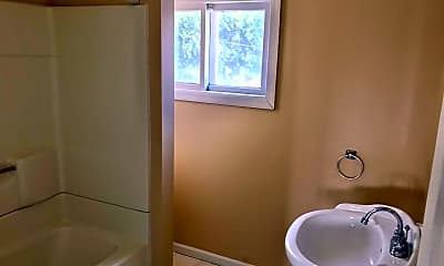Bathroom, 29 S Main St, 2