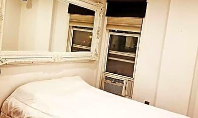 Bedroom, 135 Huntington St, 2