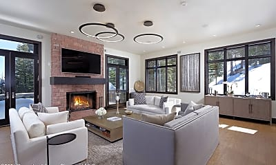 Living Room, 32 Elk Ridge Ln, 1