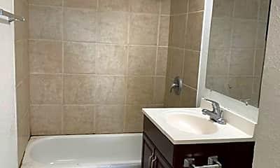 Bathroom, 4750 Thorn St, 1