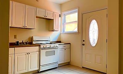 Kitchen, 76 Bay St 2, 1