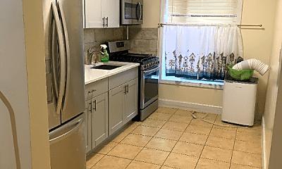 Kitchen, 363 E 95th St, 2