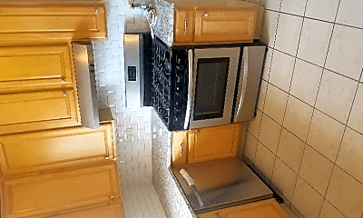 Kitchen, 6830 S Wabash Ave, 1