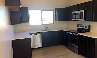 Kitchen, 2286 College Dr, 1