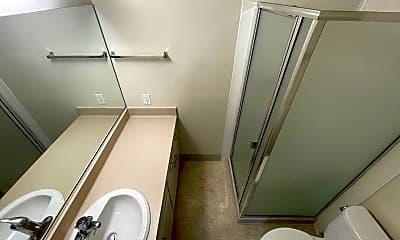 Bathroom, 2819 Derby St, 2