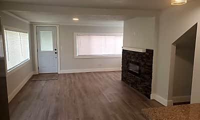 Living Room, 15233 Coeur d'Alene St, 1