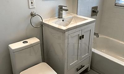 Bathroom, 2 Harvard St, 2